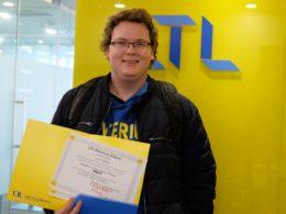 Axl LTL'de Çince eğitimini tamamlıyor